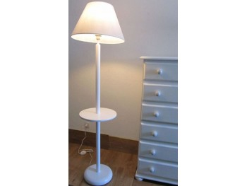 Lámpara de pie con mesita 135 cm. Ref. 3602M