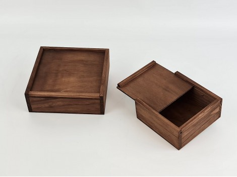 Aged wooden box 2 measures with Frame Sliding Lid Ref.P00C01C