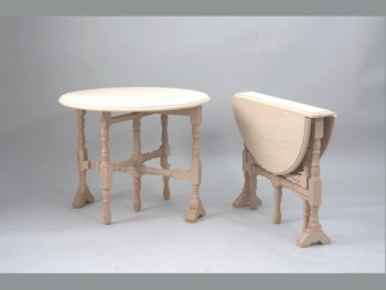 Side table turned legs REF.1381