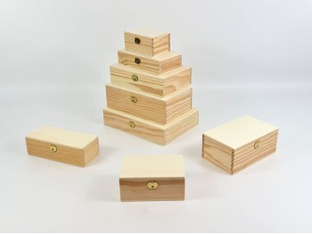 Boxes with hinge and clasp different measures