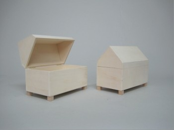 Pointed lid chest REF.1604
