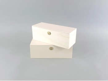 Wooden box 25x9x9 cm. int.c / hinge and clasp Ref.C42