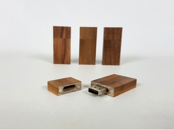 Pen-Drive Dark Wood with Magnet Ref.USBCH3