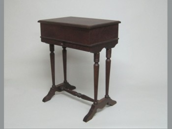 Costurero patas y cajón barnizado Nogal Ref.1827B