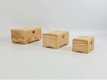 Caja baúl pequeño con pies de diferentes medidas Ref. P1070P