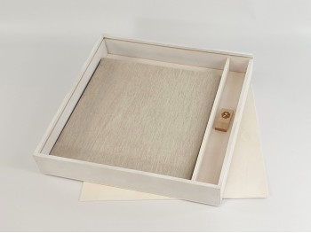 White Box for Album 30x30 w / Wood Top and Division Ref.P1454C8PA-37D