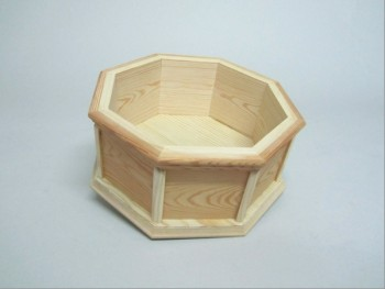 Octagonal box without lid. REF.1685