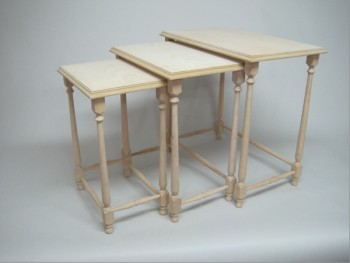 Set of 3 nesting tables. REF.1375