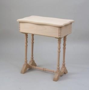 Costureros de madera con patas