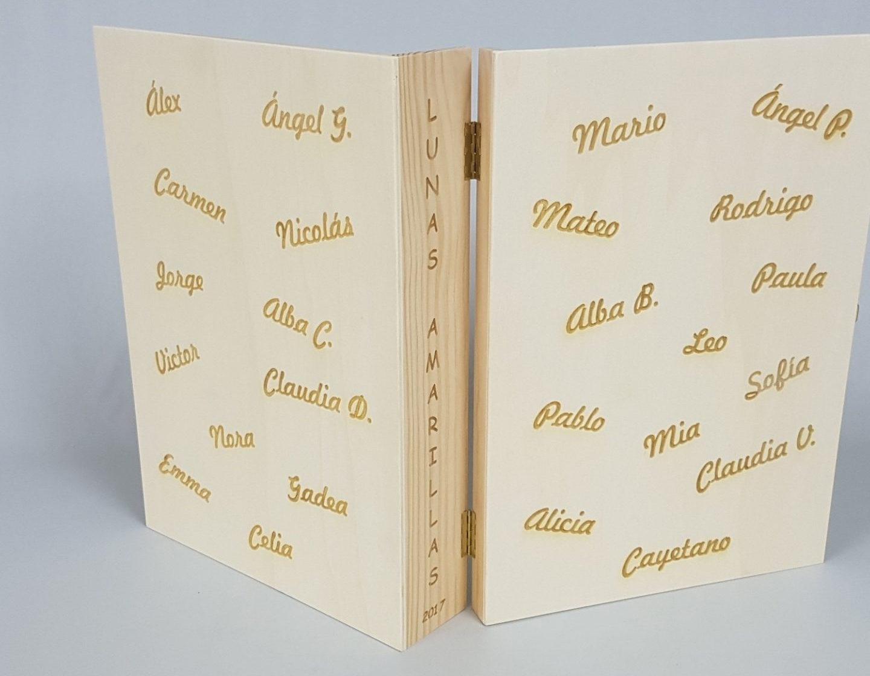 Cajas de madera para libros