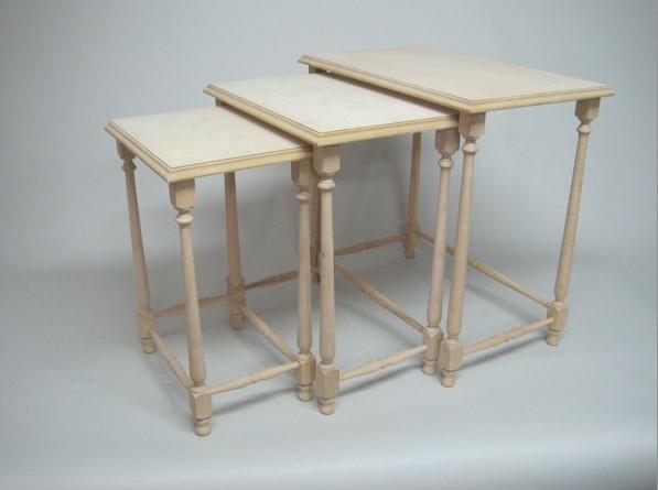 Distintas mesas de madera para distintos usos