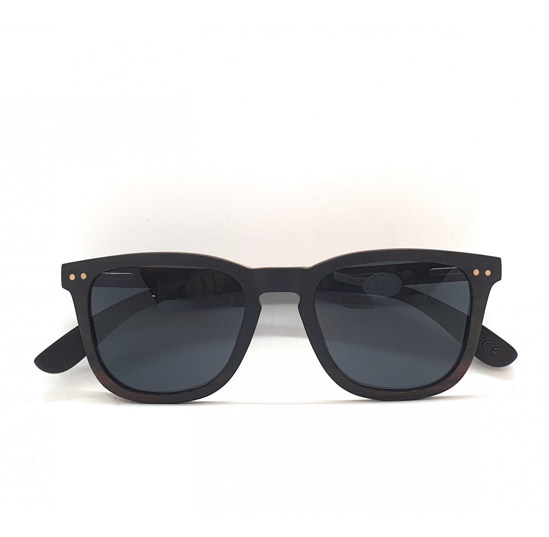 Gafas en modelo Denia: la versatilidad en tu conjunto