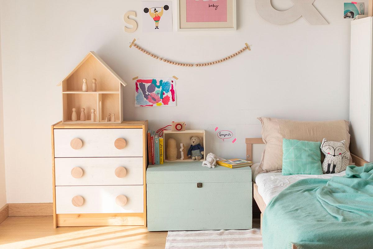Una habitación infantil con estilo nórdico