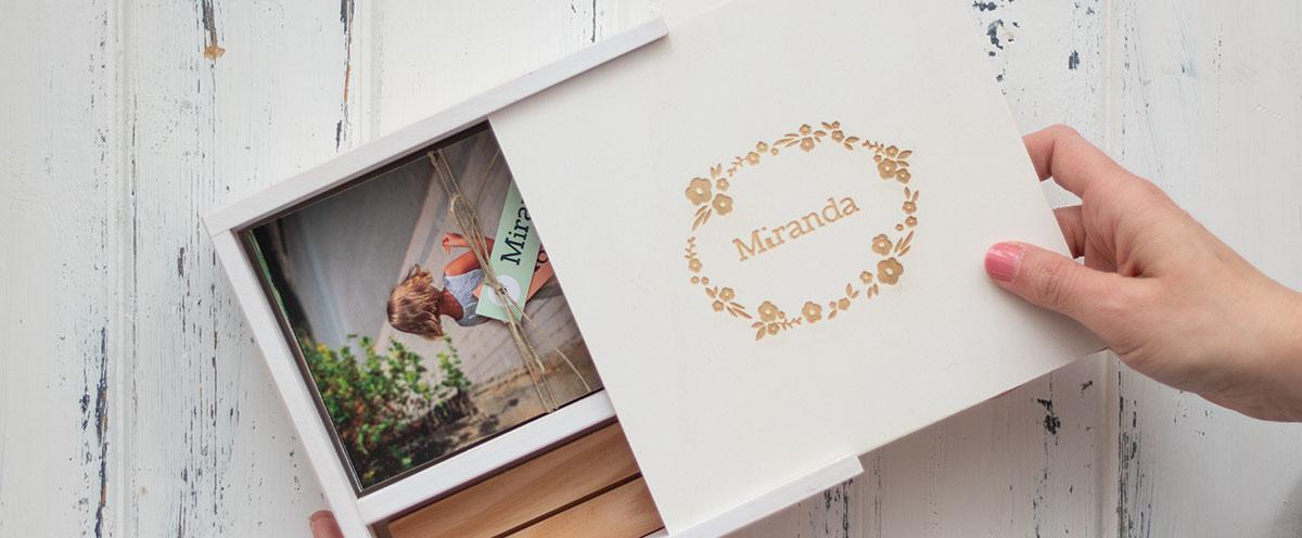 Caja de madera para fotos de comunión