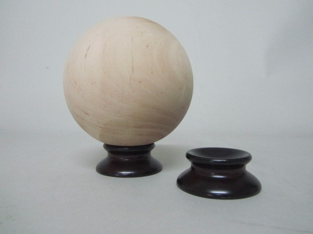 Peana para bolas Ø6 cm. barnizada Ref.2456