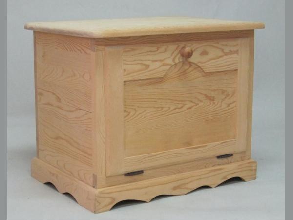 Baúl de madera tapa frontal y balda Ref.2301