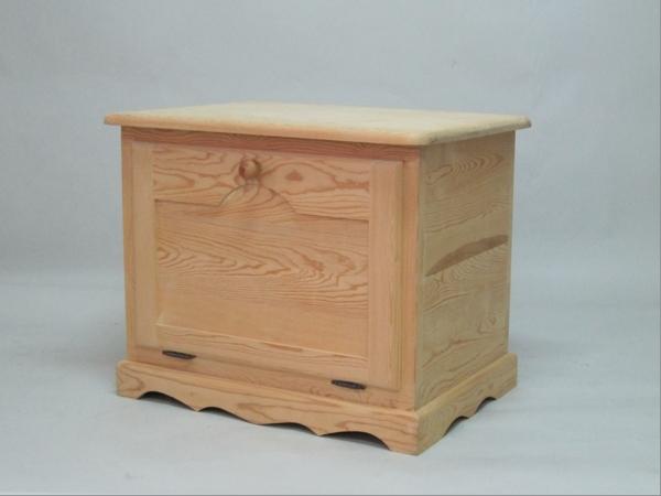Baúl de madera 80 cm. c/tapa frontal y balda Ref.2301