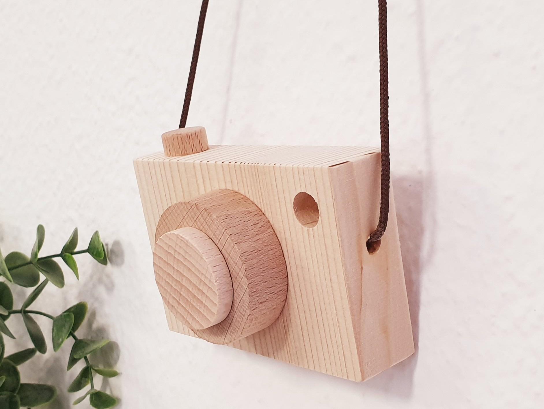 Cámara de fotos de madera natural Ref.CA2020